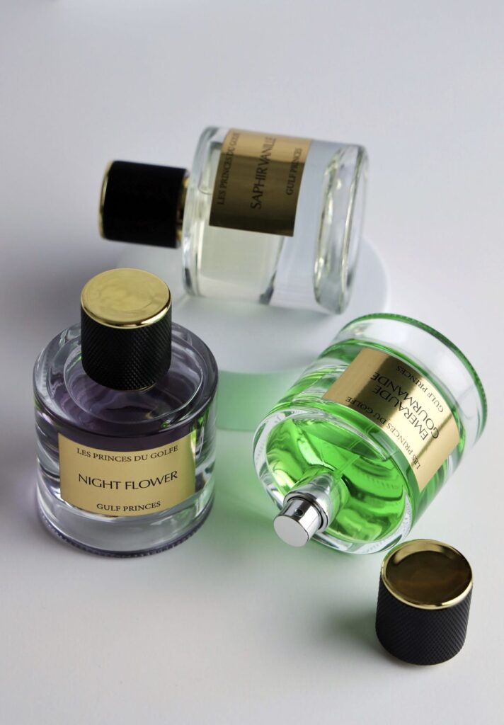trois parfums orientaux fleurs du golfe couchées