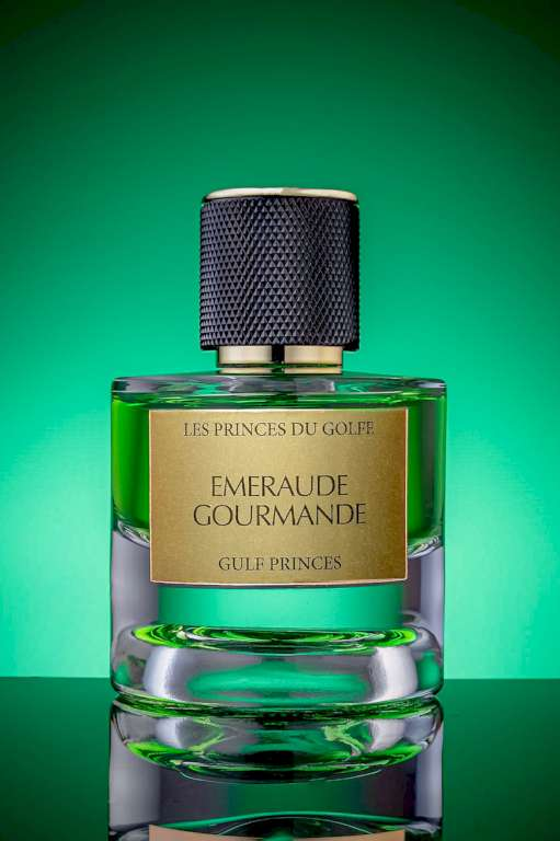 Une photo du parfum Emeraude Gourmande de la marque les fleurs du golfe.